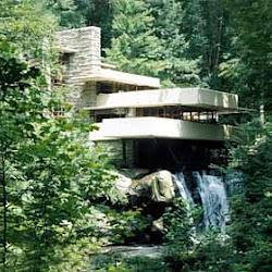 13.- F. Lloyd Wright. Casa de la Cascada
