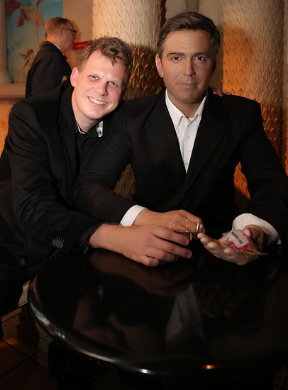 Madame Tussauds New York City - Ron Martinsen and George Clooney