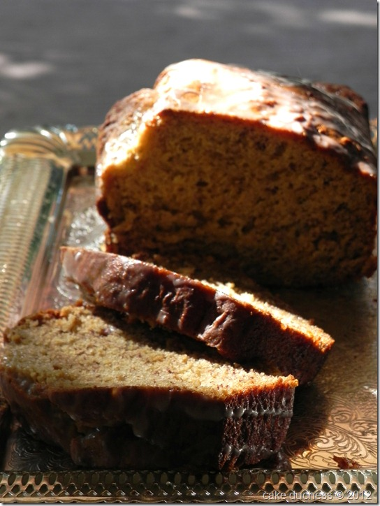 caramelized-banana-bread-with-brown-butter-glaze-4