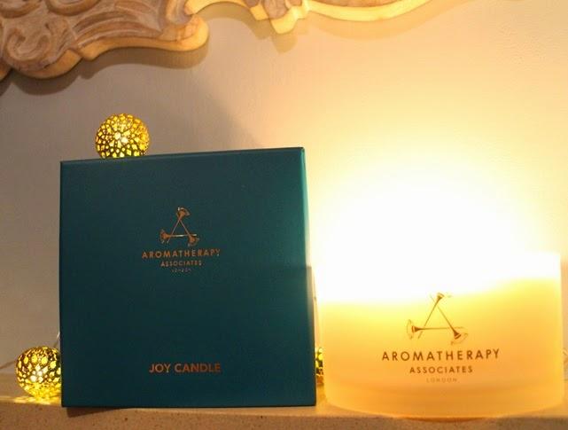 Aromatherapy-Assoc-Christmas-Candle-2014-box