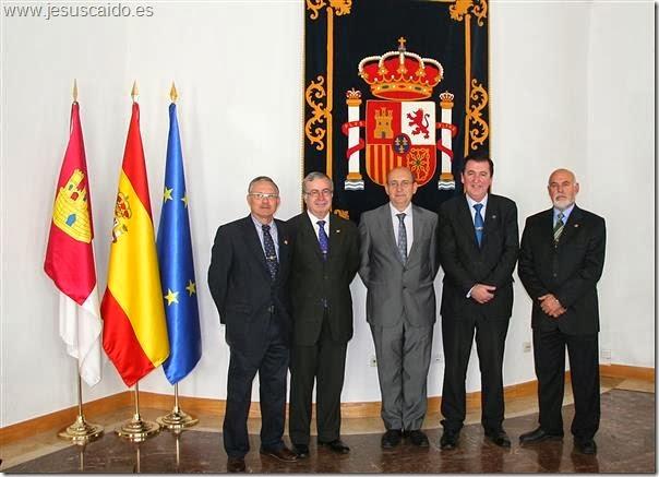La Comisión de la Cofradía con el Subdelegado del Gobierno