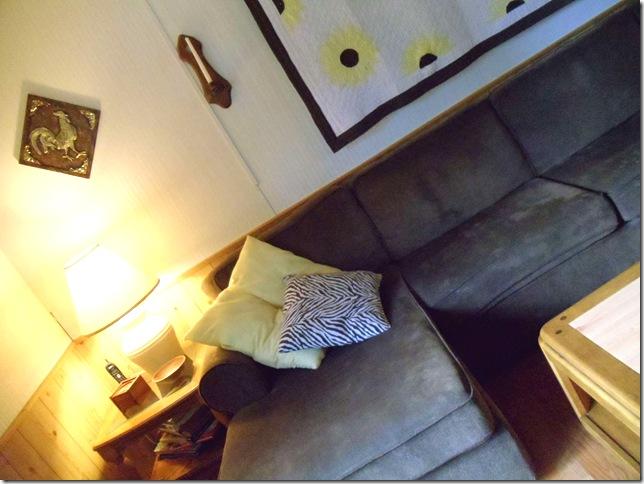 Livingroom Makeover 111-2000