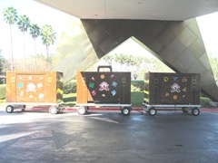 Disney trip All Star Resort lge. luggage in front