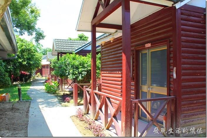 高雄-頭前園土雞城休閒餐廳。頭前園其實也有經營民宿小木屋,不過看起來住客應該不多。