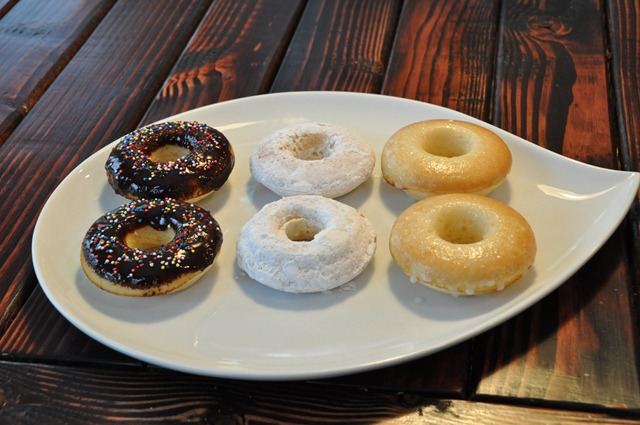 Baked Donuts from Decor and the Dog