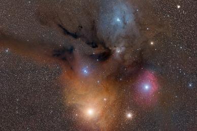Antares e Rho Ophiuchi