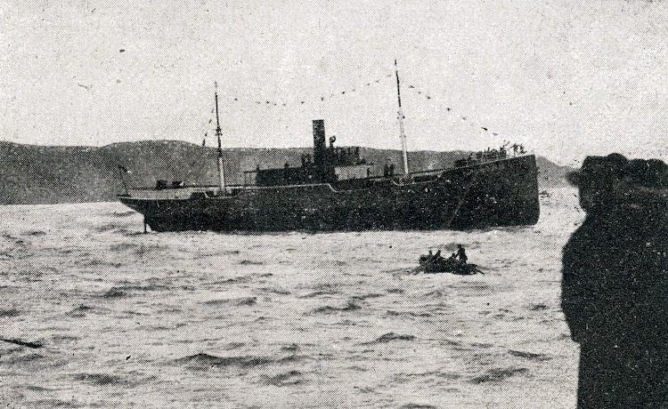 El CAPITA REVUELTA recien botado. Foto de la revista Vida Maritima. Año 1919.jpg
