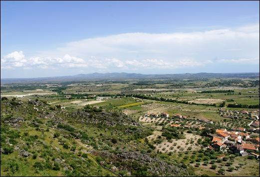 Marialva - Glória Ishizaka - vista a partir da muralha  do castelo