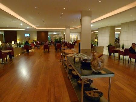 Restaurant in Premium Terminal