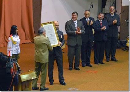 Diploma a Gerardo