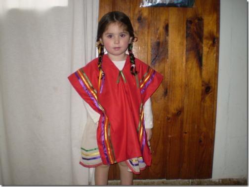 Disfraz De Coya para niño, compuesto por el Poncho, Gorro y Pantalón