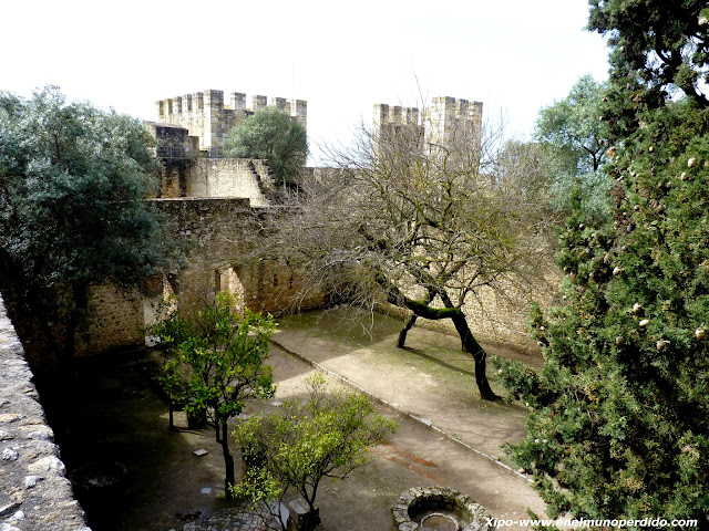 interior-castillo-san-jorge-lisboa.JPG