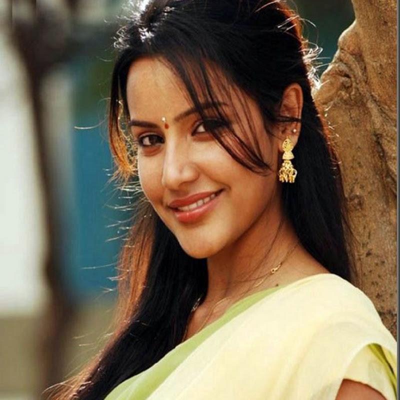 Priya Anand Gracious and Fair Photos