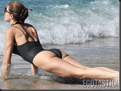 stephanie-seymour-black-swimsuit-in-st-barts-03-900x675
