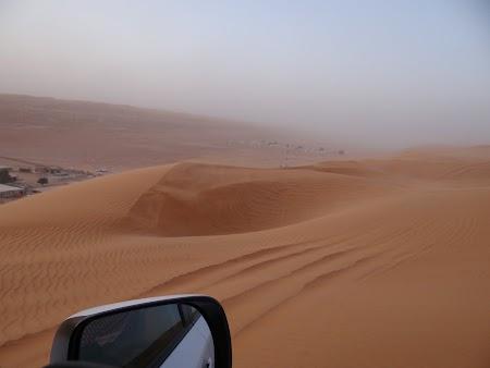 21. Cu masina in desert.JPG