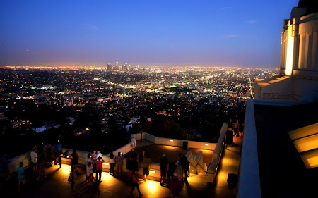 Imagini Los Angeles: Downtown LA vazut dinspre Observatorul Griffith - de data asta noaptea