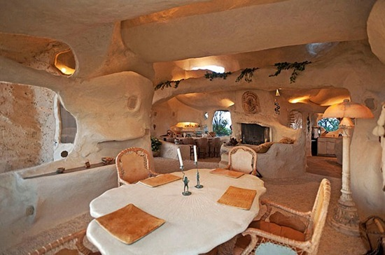 flintstones-house11