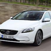 2013-Volvo-V40-New-23.jpg