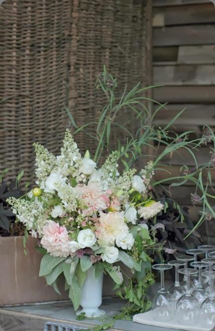 bar arrangement 1239439_642271485804911_1932211393_n love n fresh flowers
