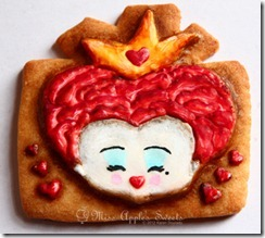 queen heart cookie