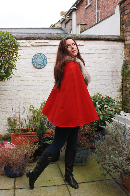 Su Sews SoSo Red Cape 2