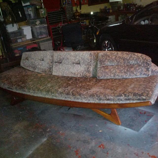 thriftscorethursday tsfinds pearsall gondola sofa
