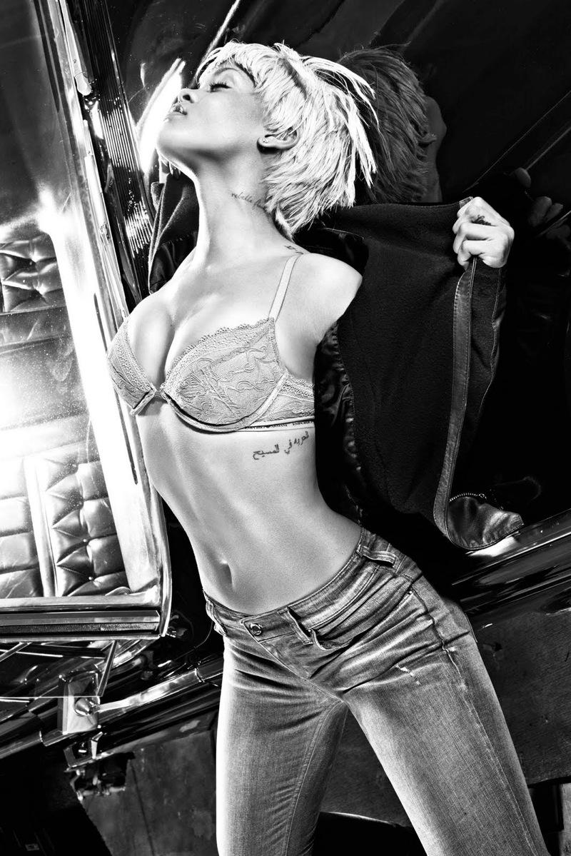 Rihanna Armani Jeans Ad Campaigng