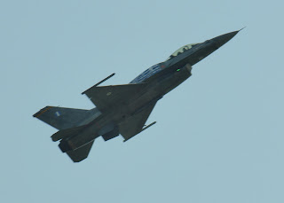 grecki F 16