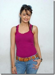 Surveen-Chawla-new hot pic1