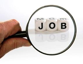 Mencari lowongan pekerjaan di internet