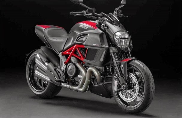 2015-ducati-diavel-carbon-red