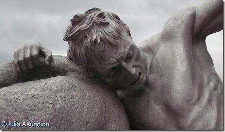 Los portadores de la antorcha - hombre caido