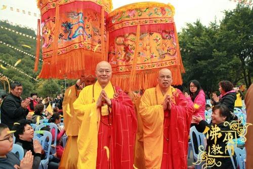 Thời sự tin tức Phật gáo thế giới - Người Áo Lam - 002