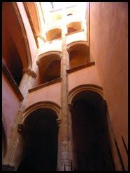 a traboule arches