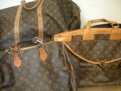The second hand Louis Vuitton luggage was in great shape.