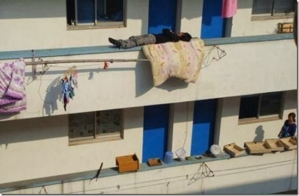 weird-sleeping-locations-21