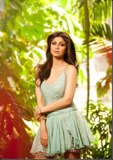Shilpa-Shetty-photo-shoot-for-Hello-Magazine-pics