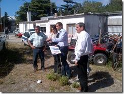 JP de Jesús y funcionarios del área salud en San Clemente