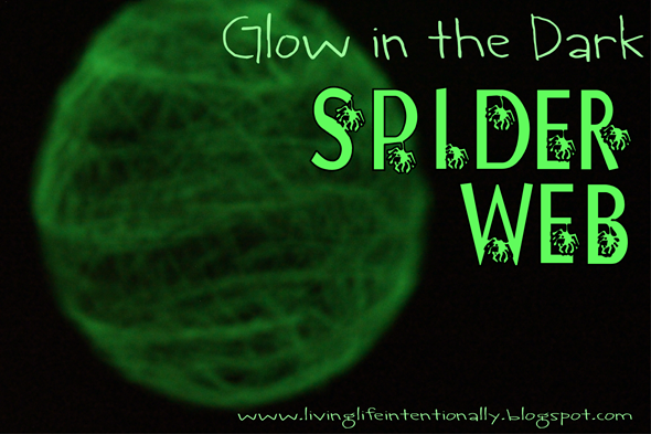 Glow in the Dark Spider WEb Craft for Halloween and spider study