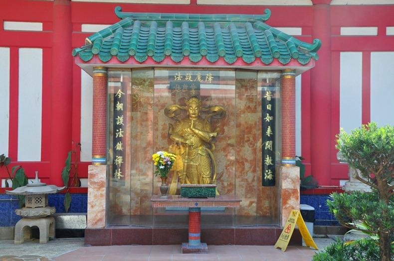 10000-buddhas-monastery-3