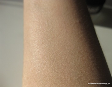 Laura Mercier Creme Smooth Warm Ivory swatch (2)