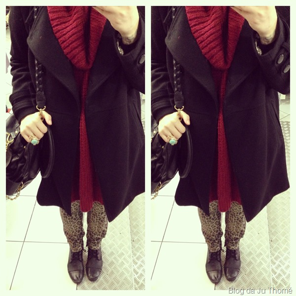 look calça estampada e casaco preto (2)