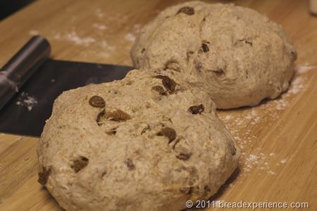 spelt-bread-pecans-raisins_0422