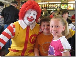Kostum McDonald Yang Pertama Kali