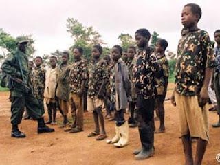 Un groupe d'enfants recrutés dans un groupe armé (archive)/Photo Okapi