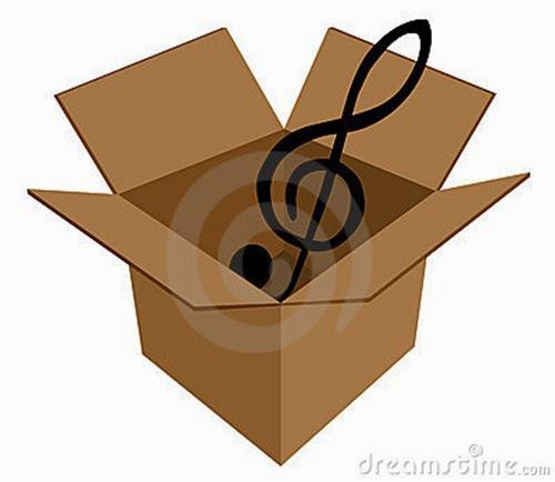 clave-de-la-música-en-caja-de-cartón-6499435