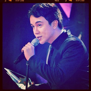 Arjo Atayde accepts Star Awards for TV&#39;s Best New Male TV Personality award