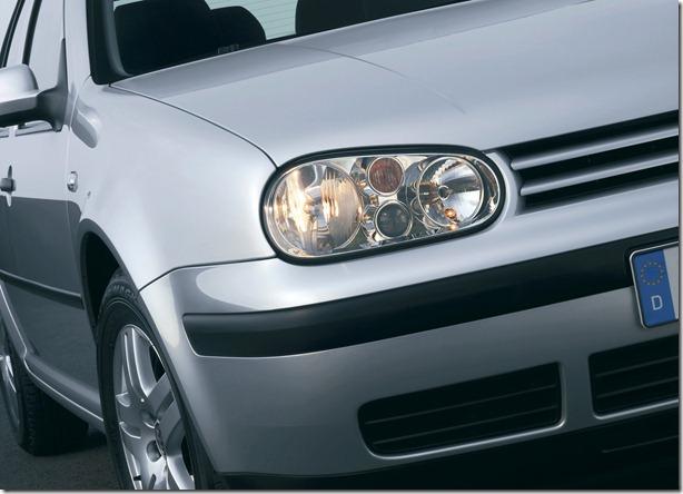 Volkswagen-Golf_IV_1997_1600x1200_wallpaper_09