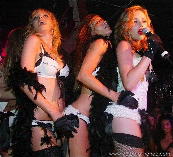 scarlett-johansson-linda-sensual-sexy-sexdutora-tits-boobs-boob-peitos-desbaratinando-sexta-proibida (1)