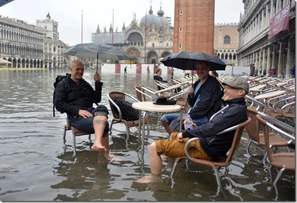 happy-flood-people-36